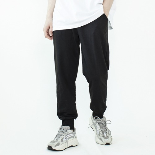 엑스씨엑스메인 XCXMAIN - BLACK JOGGER PANTS (CHAMPION COTTON'S)