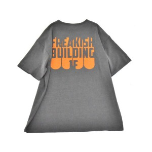 프리키쉬 빌딩 FREAKISH BUILDING - BOARDING SHORT SLEEVE TEE (BLACK)